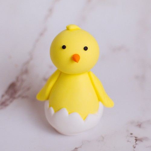 Fondant Chick in Eggshell Topper