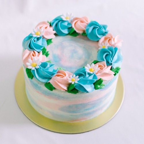 Marbled Cake with Rosettes and Fondant Daisies